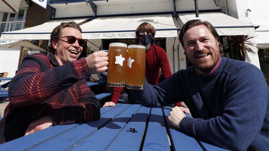 Schottland und Wales öffnen Pubs und Restaurants