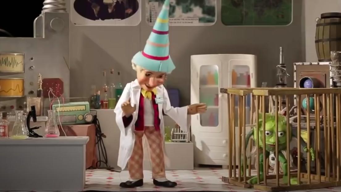 Die neue Normalität – wie die Augsburger Puppenkiste Kindern Coronatests erklärt