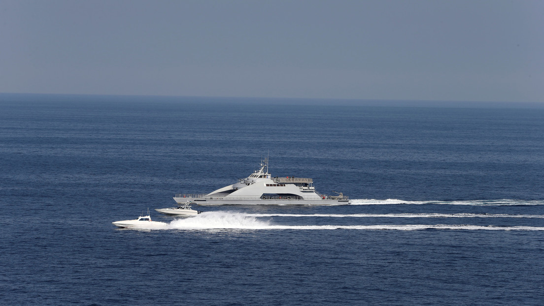 US-Marineschiff feuert Warnschüsse in Richtung iranischer Schnellboote im Persischen Golf