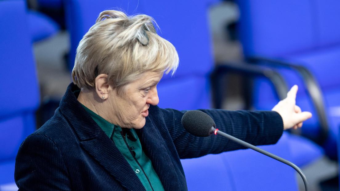 Grünen-Politikerin Künast verklagt Facebook wegen Hass im Netz und fordert Löschpflicht