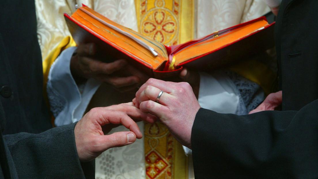 Schweiz hält Referendum über Ehe für alle ab