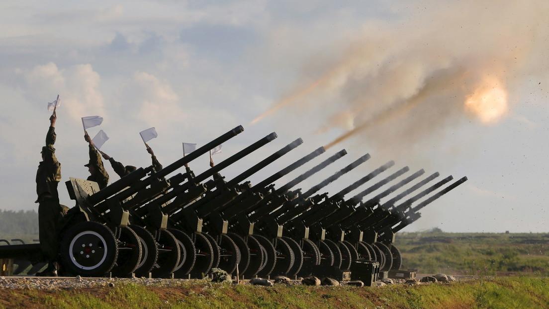 """Live: Modernste Waffen auf der Expo """"ARMEE-2015"""" in Russland"""