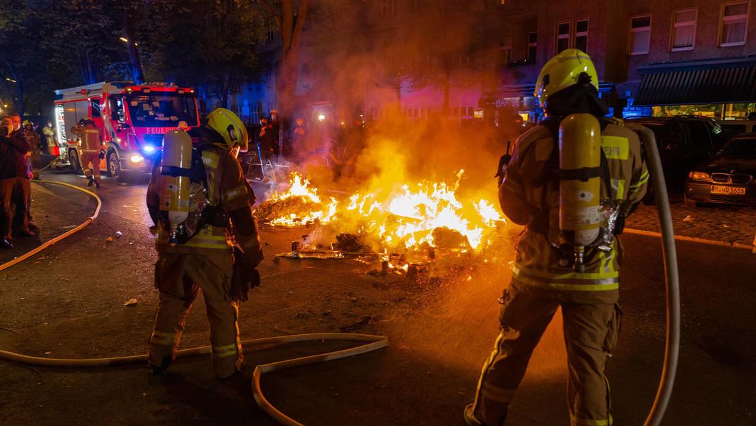 1.-Mai-Protest in Berlin: Polizei verurteilt gewaltsame Angriffe auf Polizisten