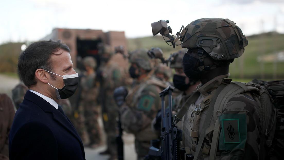 """""""Bürgerkrieg braut sich zusammen"""": Französische Militärs lancieren erneut offenen Brief an Macron"""