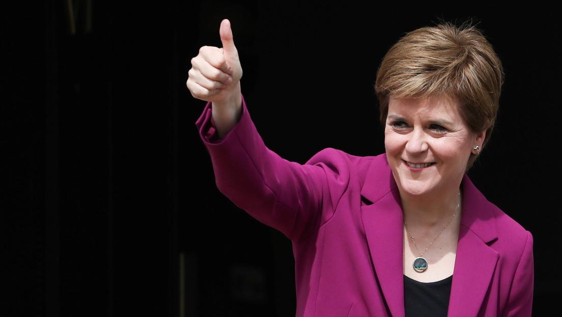 """Nach Wahlsieg: Nicola Sturgeon will Schottland """"in die Unabhängigkeit führen"""""""