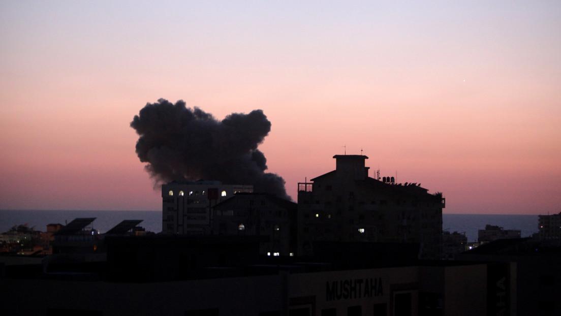Hochhaus in Gaza bei Luftangriff zerstört – Raketenangriffe auf Israel