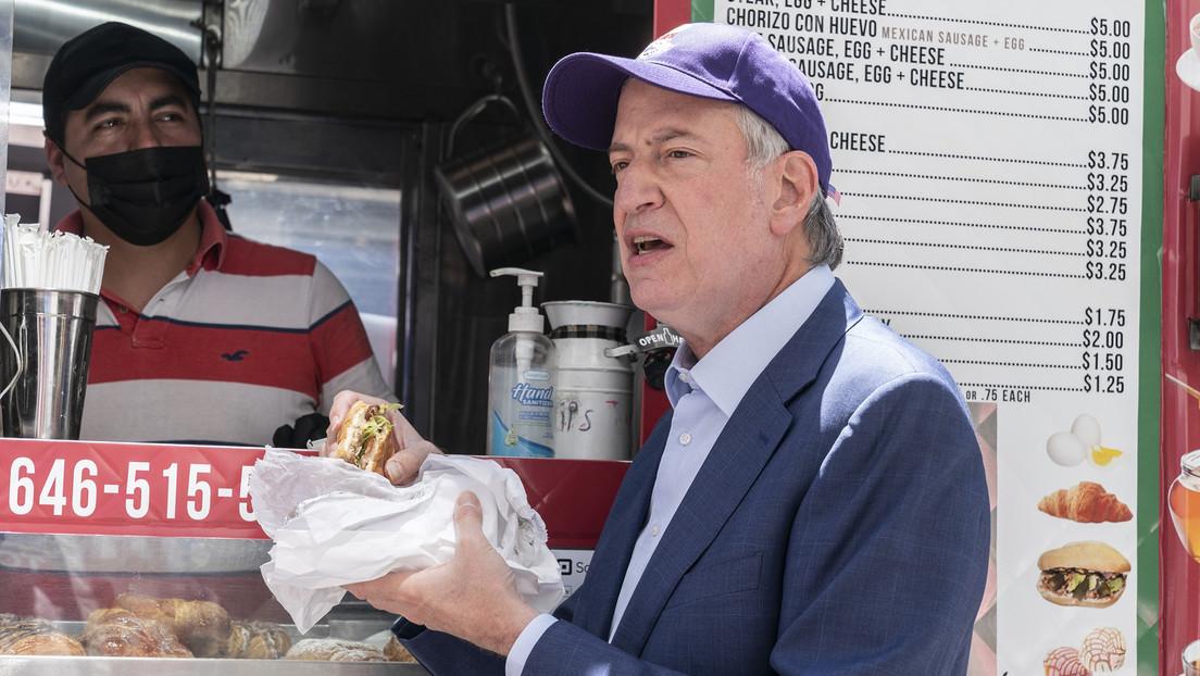 Leckere Impfung: New Yorker Bürgermeister wirbt mit Burger und Fritten fürs Impfen