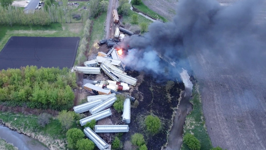 USA: Zweiter Gefahrgüterzug innerhalb von 24 Stunden entgleist und in Brand geraten