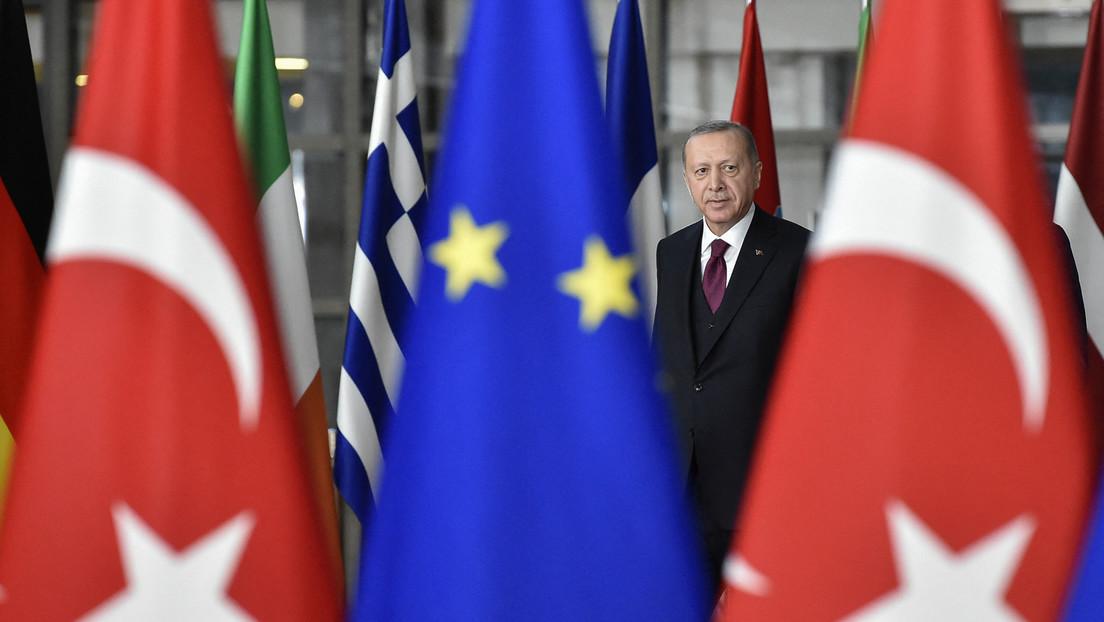 Beziehungen zusehends schlechter: EU-Parlament für Aussetzung der Beitrittsgespräche mit Türkei