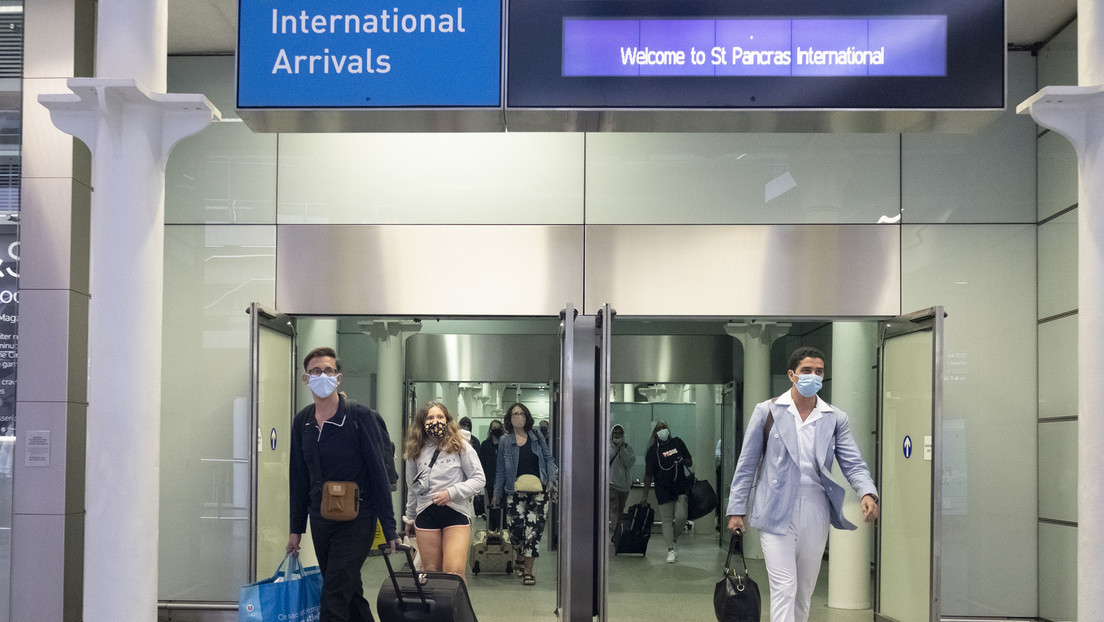 Britische Pläne für Reiserückkehrer: Regierung soll täglich 10.000 Quarantänepflichtige überprüfen