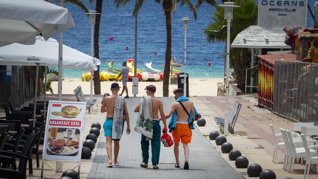Kurz vor Beginn der Urlaubssaison: Spanien erleichtert Einreise für einige Touristen