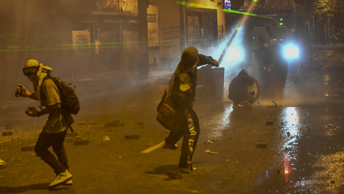 Proteste in Kolumbien reißen nicht ab: Polizist stirbt bei Krawallen in Cali