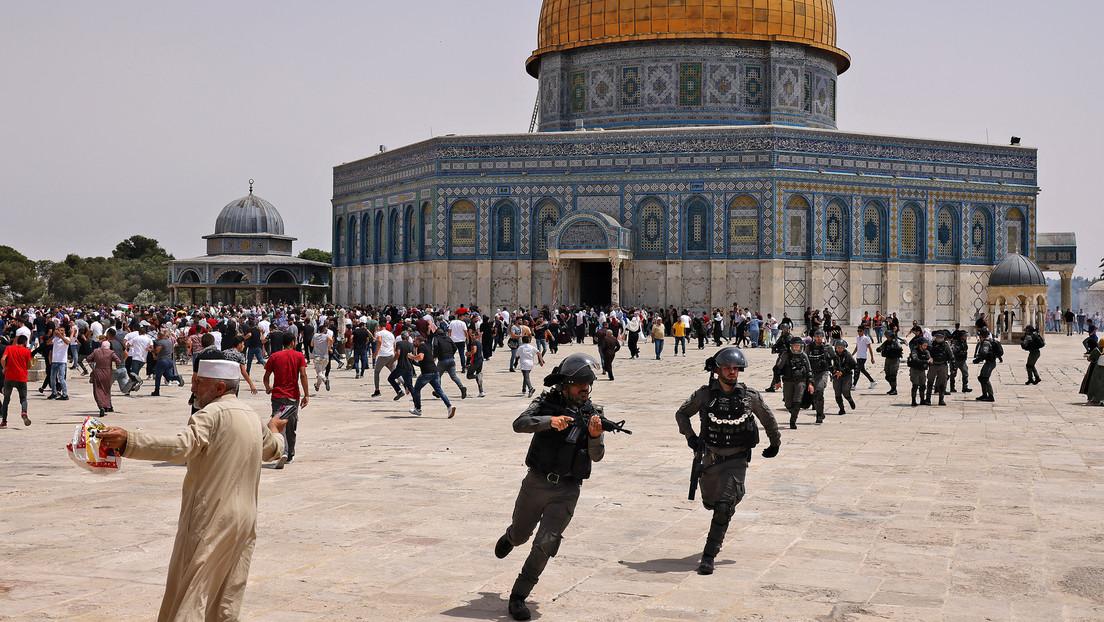 Wieder Zusammenstöße am Tempelberg: Israelische Polizei treibt muslimische Gläubige auseinander