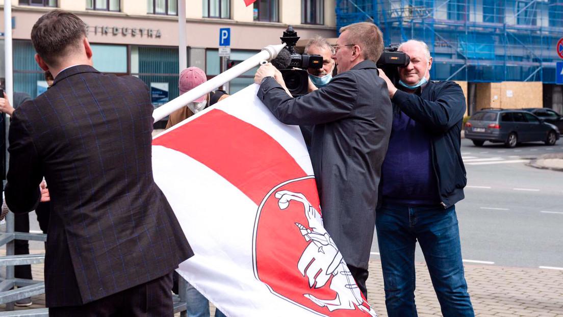 Eklat um Staatsflagge: Weißrussland und Lettland weisen gegenseitig  Diplomaten aus