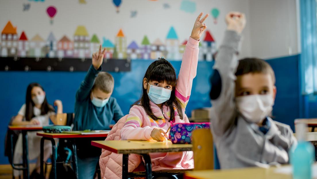Große Mehrheit der Deutschen für Präsenzunterricht – Spahn will Impfangebot für alle Schüler