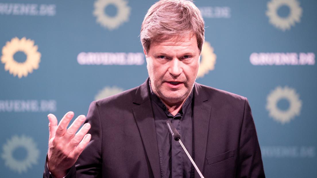 Grünen-Chef Robert Habeck fordert Waffen für die Ukraine
