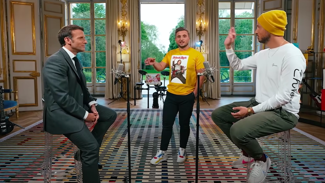 Macron gibt Heavy-Metal-Konzert im Élysée-Palast nach verlorener Wette gegen YouTube-Blogger