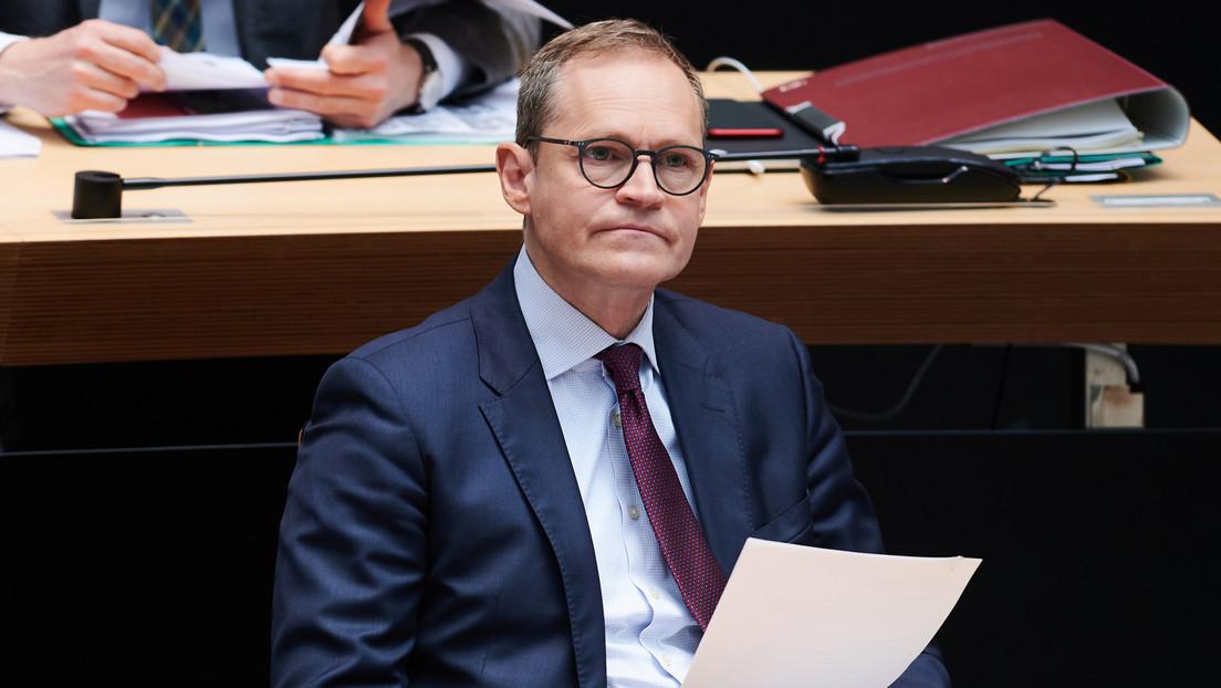 """Berlins Bürgermeister fordert """"realistischen"""" Impfplan für Kinder und Jugendliche"""
