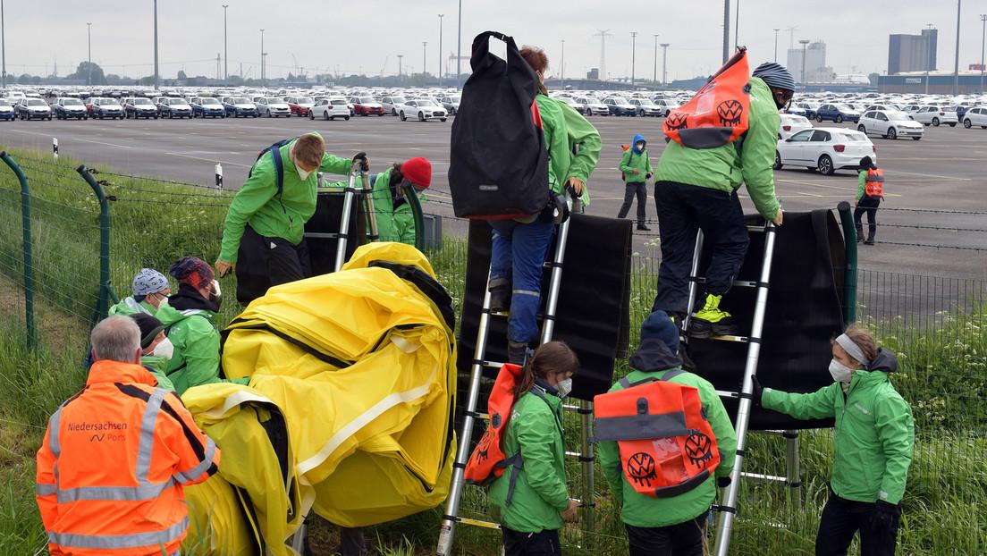 Greenpeace klaut 400 VW-Autoschlüssel