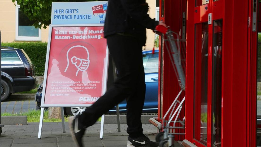 Berlin: Türsteher fordert zum Maskentragen auf – Kunde sticht auf ihn ein