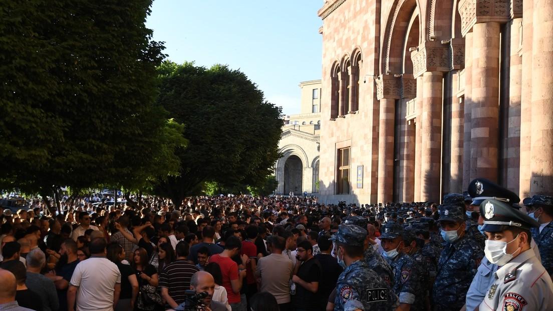 """Aserbaidschan und Armenien beschuldigen sich gegenseitig """"feindlicher Handlungen"""""""