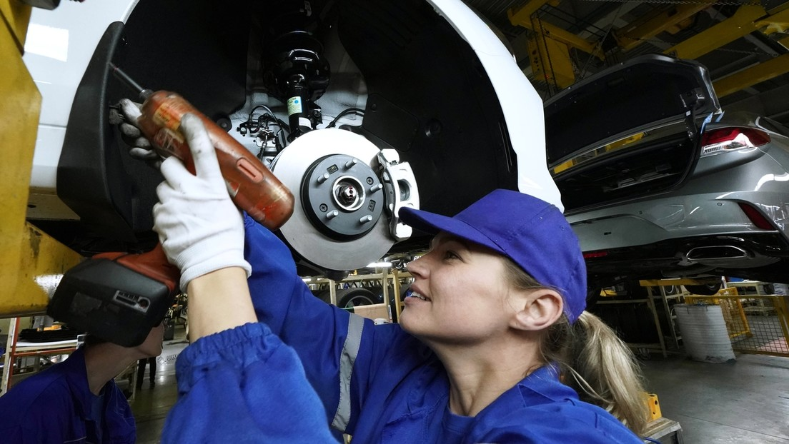 Russlands Industrieproduktion wächst im April um mehr als sieben Prozent