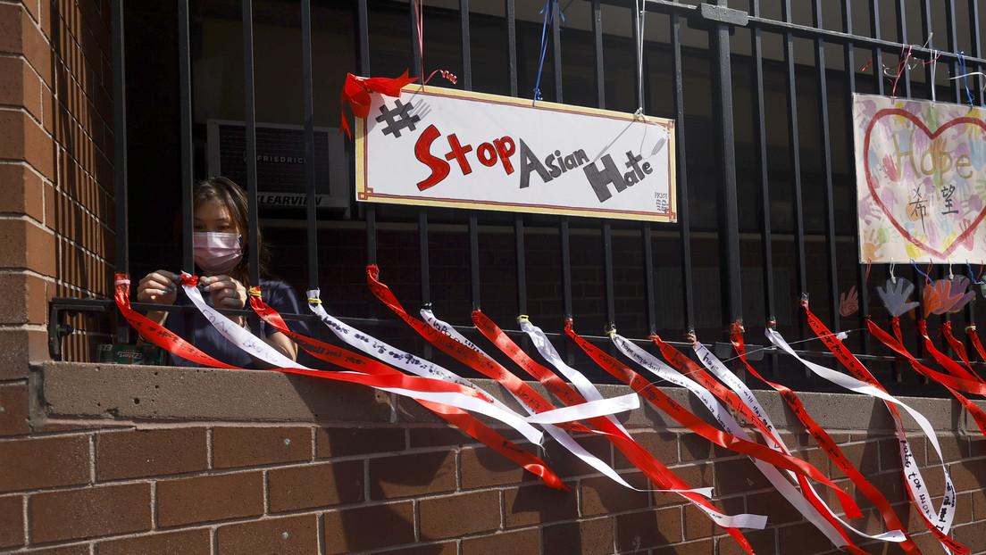 USA: Afroamerikaner greift asiatische Amerikanerin in New York brutal an