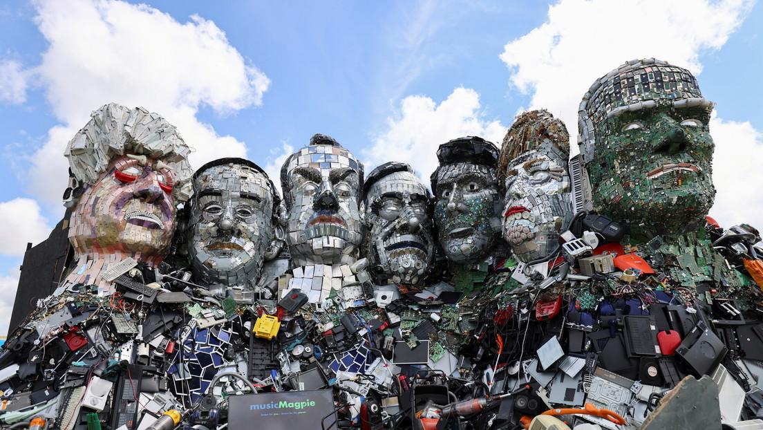 """""""Mount Recyclemore"""": Porträts der G7-Staatschefs aus Elektroschrott in Großbritannien errichtet"""