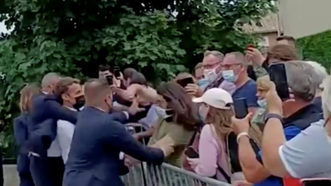 Wer ist der Mann, der Macron ohrfeigte?