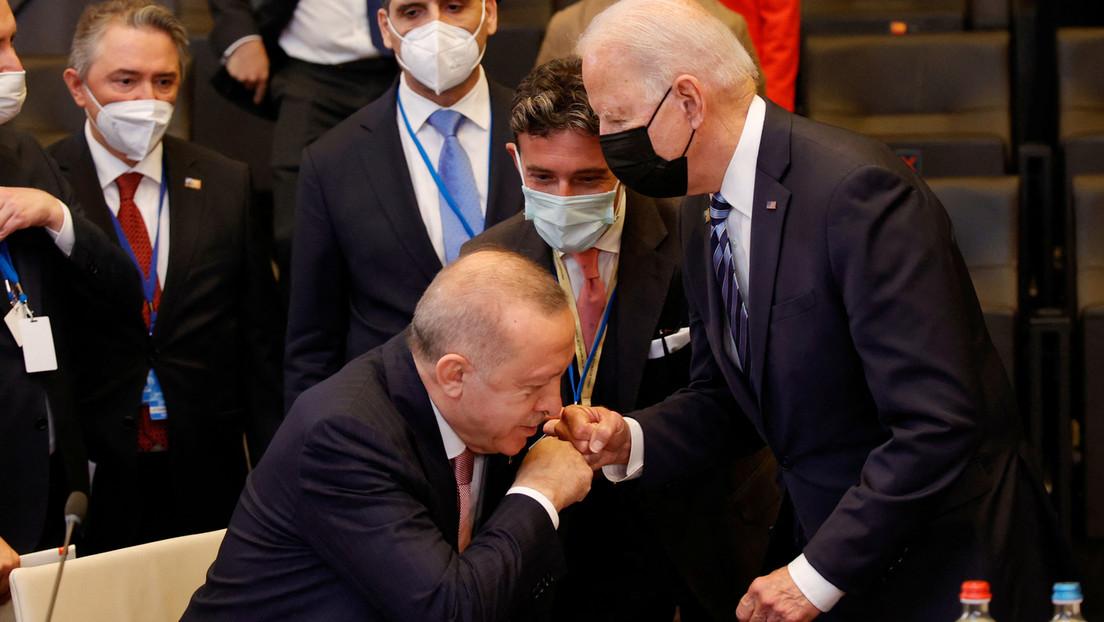 Trotz freundlicher Geste: Biden und Erdoğan bleiben uneins über S-400 und Syrien