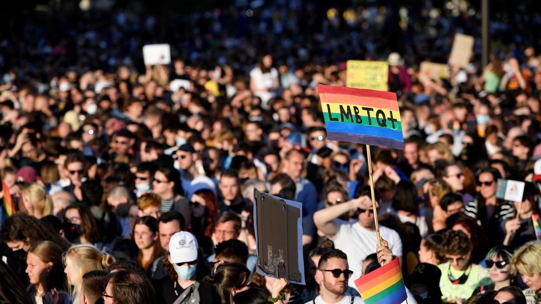 Ungarn: Parlament verabschiedet Gesetz zum Verbot von LGBT-Inhalten in Schulen