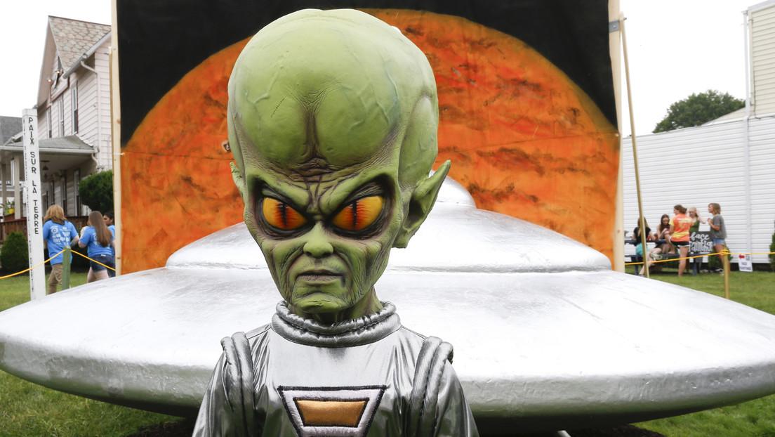 Ex-US-Beamter: Einige UFOs laut US-Regierung eventuell außerirdisch oder außerdimensional