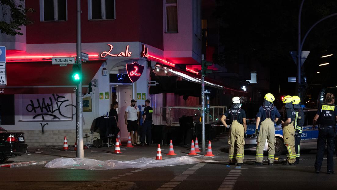 Schüsse vor Lokal in Berlin-Wedding: Mindestens drei Verletzte