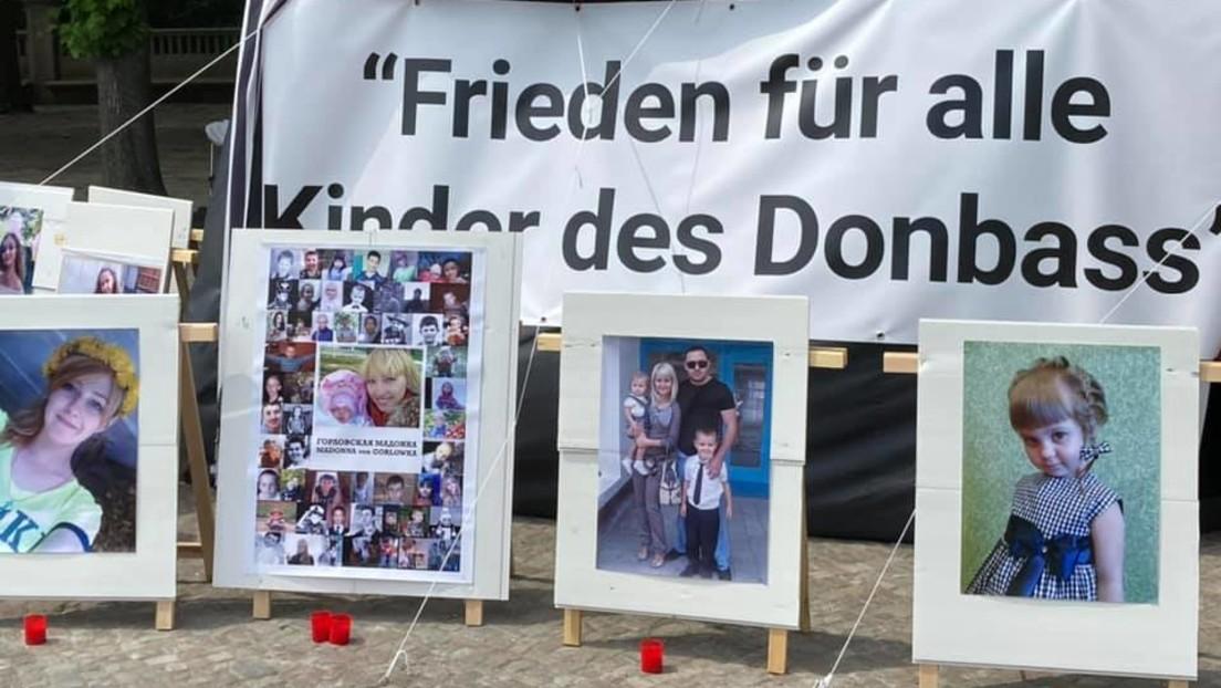 """""""Es reicht mit dem Krieg"""" – Friedensaktivisten machen in Berlin auf Situation im Donbass aufmerksam"""