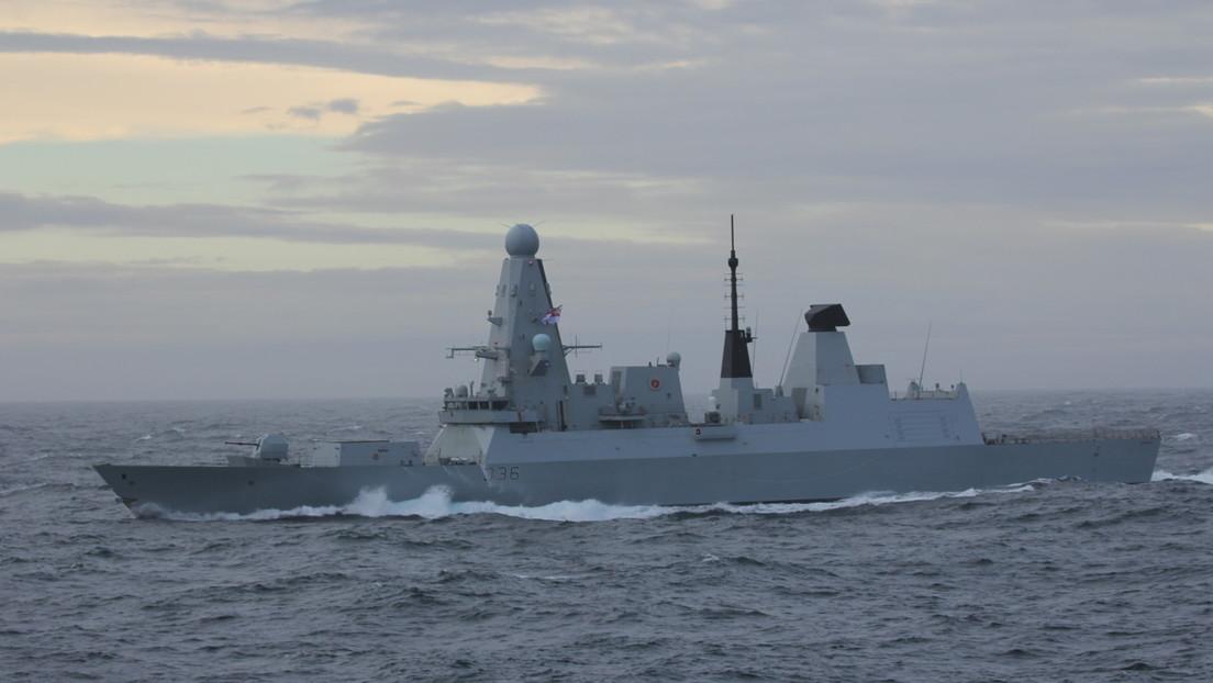 Russisches Militär feuert Warnschüsse in Richtung britischen Zerstörer