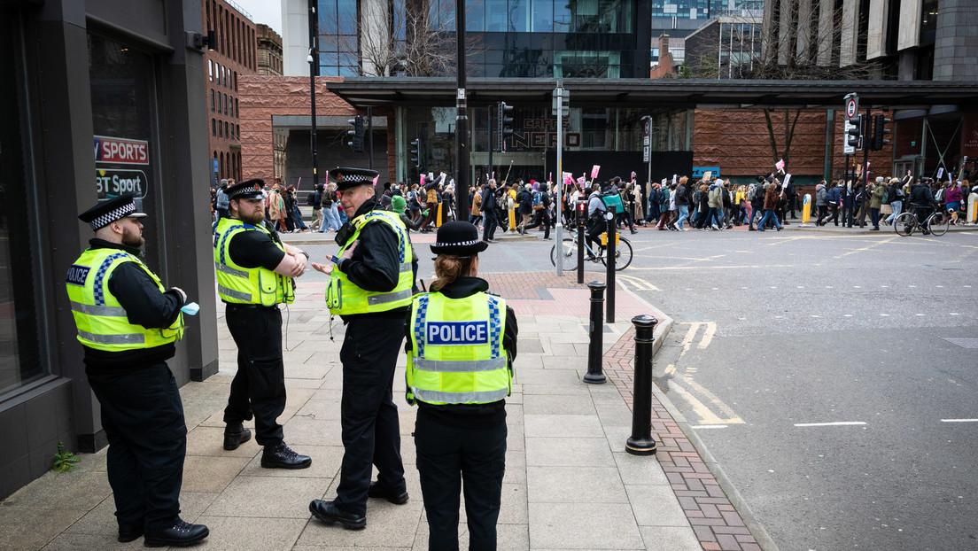 """Professionalität statt Tugend: Polizeichef von Manchester widersetzt sich dem """"Woke""""-Mainstream"""