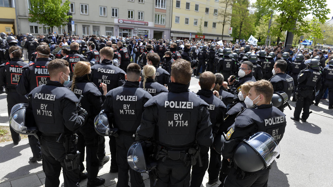 """Streit um neues Gesetz in Bayern: """"Eine ganz neue Dimension der Überwachung und Kontrolle"""""""