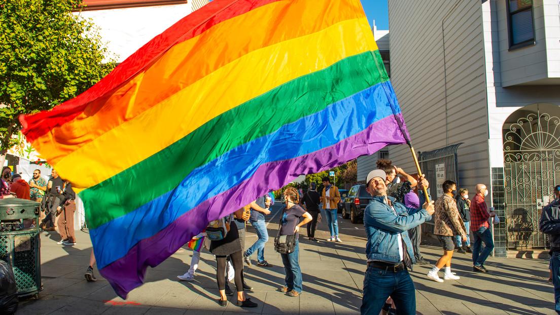 """""""Anti-LGBTQ-Gesetze"""": Kalifornien verbietet Dienstreisen in fünf US-Bundesstaaten"""