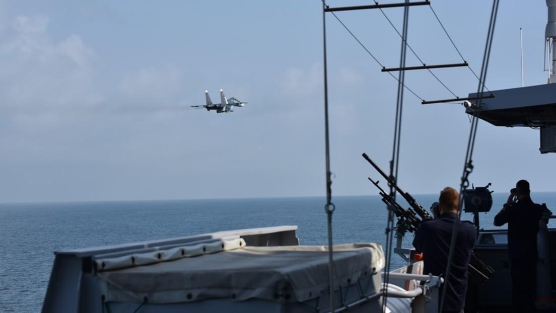"""""""Gefährliche Situation"""": Russische Kampfjets näherten sich NATO-Kriegsschiff im Schwarzen Meer"""