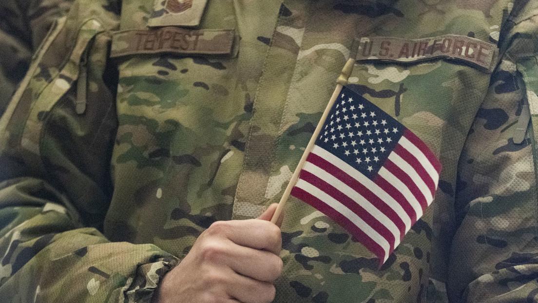 Abzug aus Afghanistan: Menschen wühlen sich durch hinterlassene Müllberge der US-Truppen durch