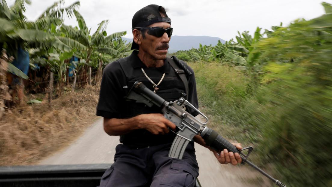 Mexiko: Avocado-Bauern gründen Miliz zur Abwehr von Drogenkartellen – Regierung will sie entwaffnen