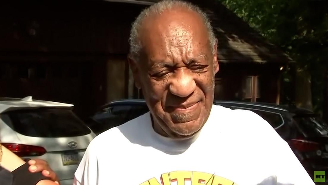 Comedystar Bill Cosby wieder auf freiem Fuß – Gericht hebt Urteil wegen sexueller Nötigung auf