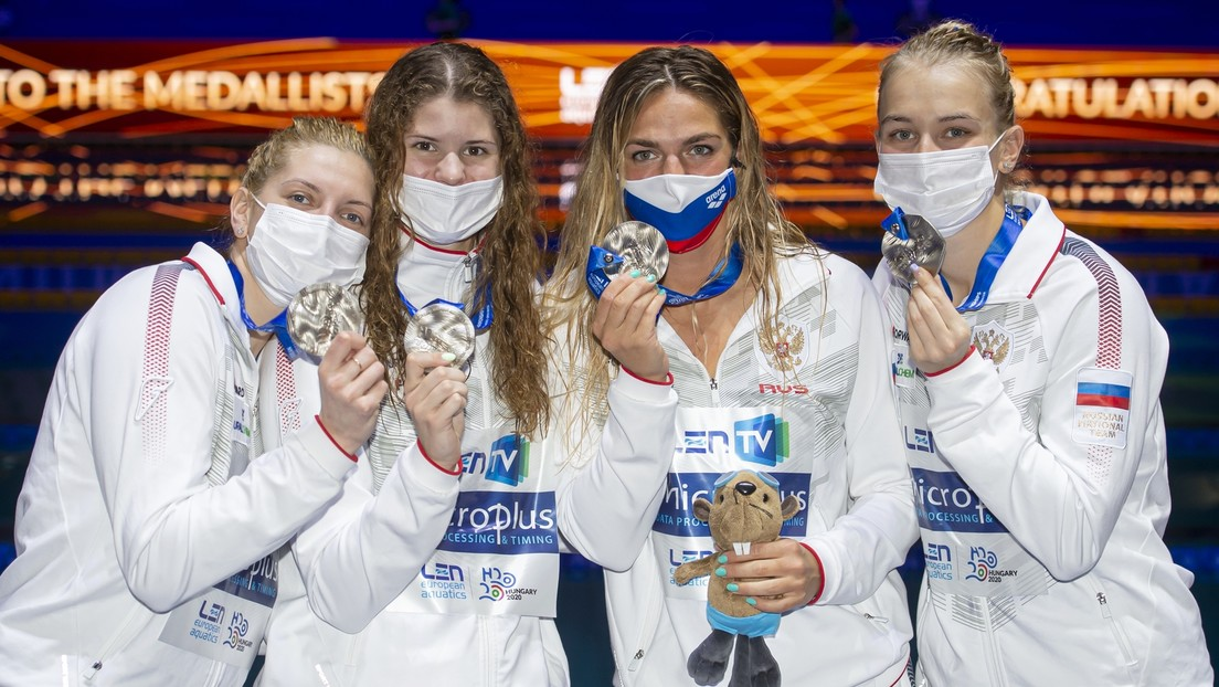 Assoziation mit Russland: IOK verbietet russischem Team Bären-Abbildung auf Schwimmtrikots