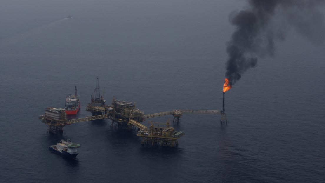 """""""Feuerauge"""" im Golf von Mexiko: Flammen steigen nach Pipeline-Leck aus dem Wasser"""