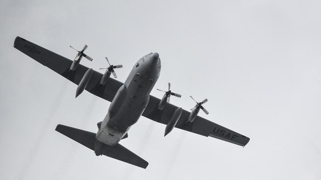 Philippinen: Militärflugzeug stürzt mit 92 Menschen an Bord ab