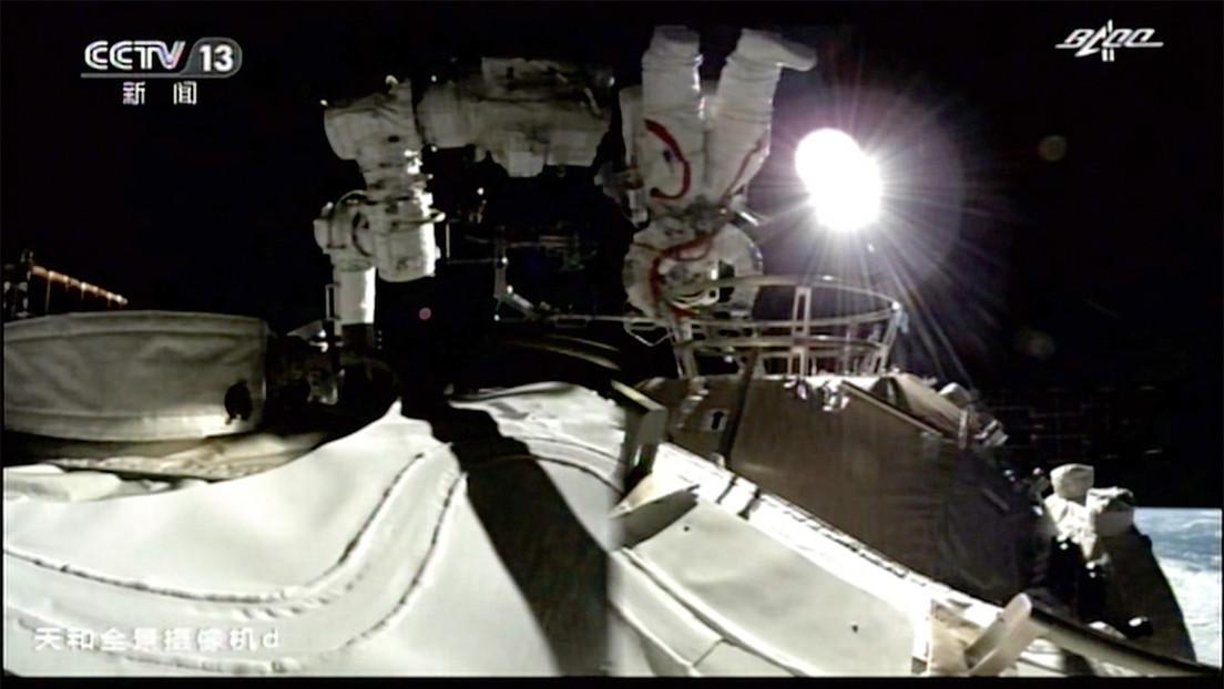Weltraumspaziergang an Chinas Raumstation: Taikonauten installieren Geräte und führen Tests durch