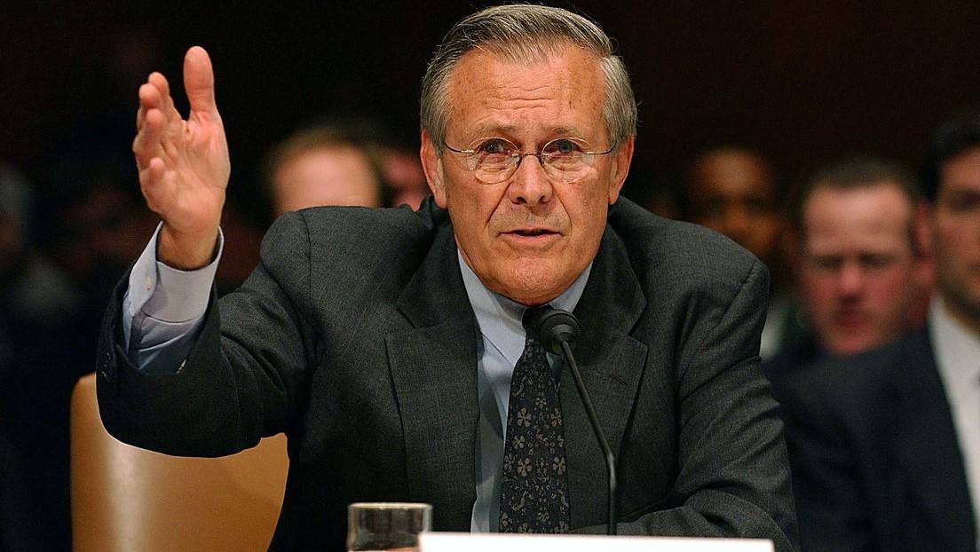 """Wie Donald Rumsfelds Ansatz der """"unbekannten Unbekannten"""" helfen kann, die COVID-Krise zu bewältigen"""