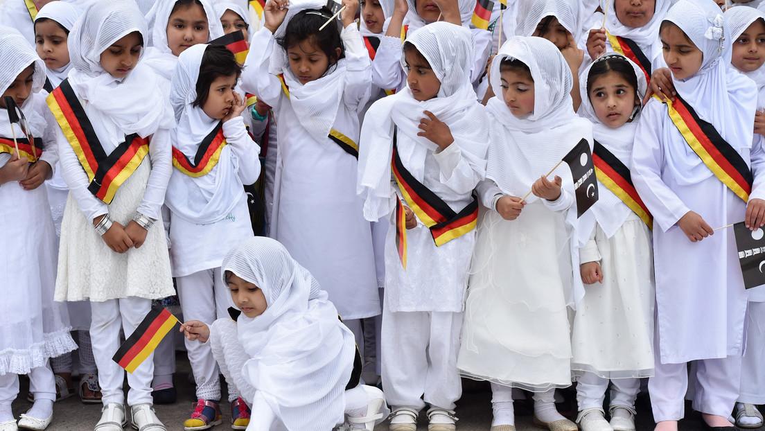 Bayern führt Islamkunde ein und fängt sich Klage ein