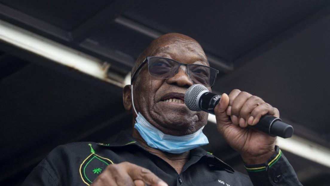 Südafrikas Ex-Präsident Jacob Zuma stellt sich Polizei und tritt Haftstrafe an