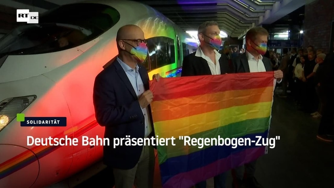 "Deutsche Bahn präsentiert ""Regenbogen-Zug"""